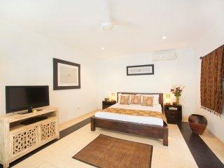 SEMINYAK Villa Pene Tiga - 3 Bedrooms - Seminyak