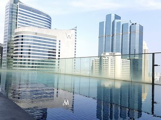 Luxury Condo at Chong Nonsi BTS! Stunning Pool!