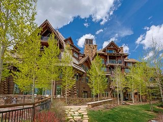 Platinum, Ski-in/out Horizon Pass condo; On-site pool, Hot Tubs, Gym, Views