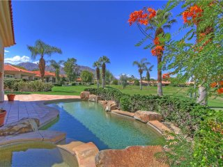 102LQ  LUXURY STUNNING LAKE & MOUNTAIN VIEWS