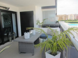 Denia marina . 1st floor , large terrace , close to Denia centre