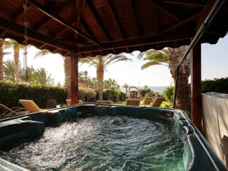 Stunning Sea Front Villa With Hot Tub sleeps 6 to 10 people