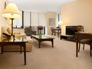 BRIGHT & BIGGER 1BR APT SUITE AT 94TH ST WITH DOORMAN & GYM