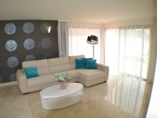 STUNNING 2 BEDROOM APARTMENT IN GOLF RESORT LACA/91