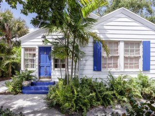 Palm Beach Oasis | 3bd/3ba | Private Pool+Parking