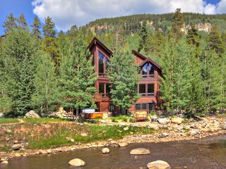 Enjoy Majestic Views in this Gorgeous Home on the River with Private Hot Tub