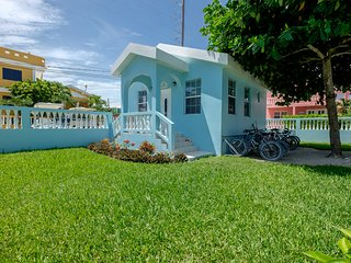 Honeymoon Hideaway! Sunset Beach Casita- Perfect for two- AC/WiFi/kayaks/bikes