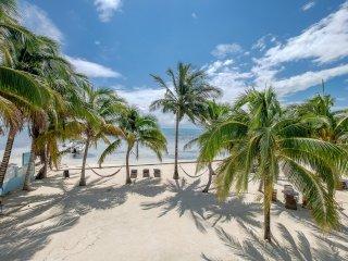 Barrier Reef Adventures! Sunset Beach A3- Pool/Beach/WiFi/kayaks/bikes/AC