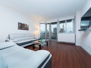 N18B-E 34TH ST. 2BR-2BA APT WITH SPLENDID RIVER VIEWS & DOORMAN