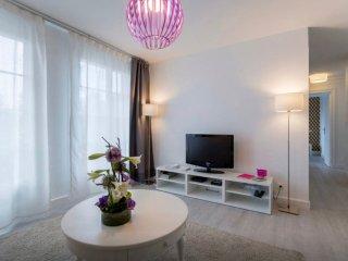 LE BARODET, CENTRE VILLE LYON CROIX ROUSSE , 3 chambres, 2 à 8 pers.+ GARAGE