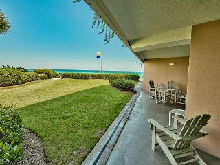 Diamond in the Sand ~ Ground Level Ocean Front ~ FREE Golf, Snorkeling & More