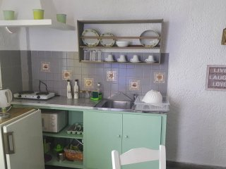 Mantos rooms B6 *Skopelos*near Hovolo beach*wifi*kitchen*hotwater