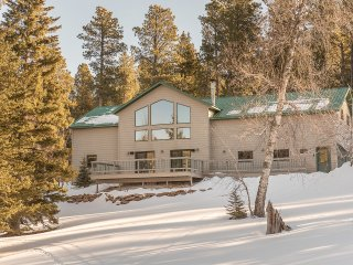 5 Star Lodge Located on Deer Mountain