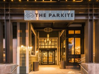 Parkite on Main: Penthouse + Concierge Services