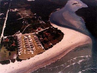 Casa 4 suites em condominio fechado frente ao mar