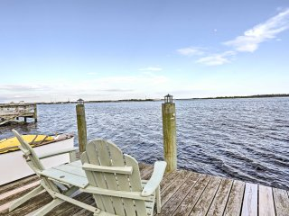 'Serenity by the Sea' 3BR Swansboro House w/ Dock!
