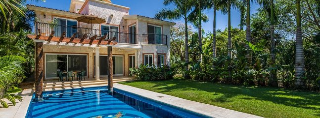 Casa Jaguar 4 Bedroom (A Beautiful Residence Located On The Main Avenue In