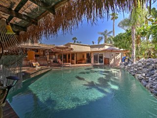 Luxurious Rancho Mirage Home w/Outdoor Oasis & Bar