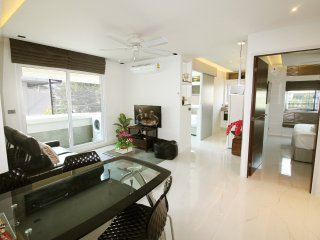 3BR Modern apartment in best area/pool★★★★★