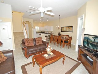 842BD. 4 Bedroom Pool Home In DAVENPORT FL.