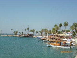 Side harbour.