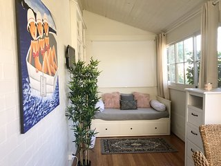 'Shells at Coogee'- newly renovated & furnished! 100mtrs to beach. Stunning apt!
