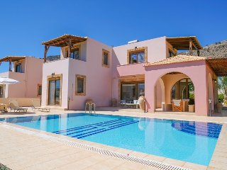 A fantastic 15% Last Minute Discount for 2018 - Villa w. Private Pool & Sea View