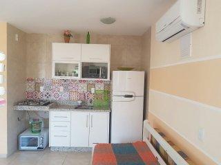 Apartamento mobiliado com ar condicionado no centrinho de Canasvieiras