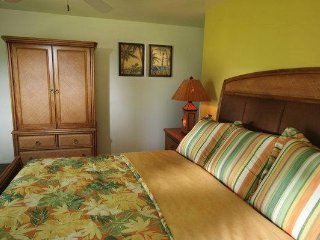 Big Island, Hawaii: 1 Bedroom Honolulu Suite w/Free WiFi, Pool & Sundeck & More