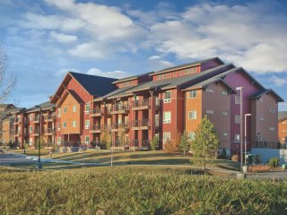 Steamboat Springs, CO: 1 Bedroom Condo w/Outdoor & Indoor Pools, & Ski Shuttle