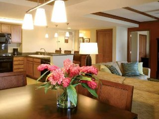 Spacious Suite w/ Tennis, Swimming, Free WiFi, Full Kitchen & Private Balcony
