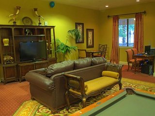 Cozy Condo Adjacent to Disney w/ 2 Lazy Rivers, 5 Outdoor Pools and More!