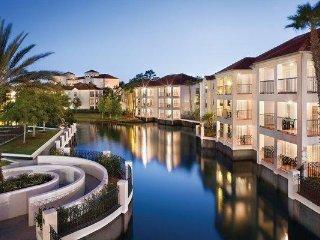 Orlando, FL: Studio w/Resort Pool, Hot Tub, WiFi & More!  4 Miles from Disney