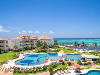 Grand Caribe, Beach Front 5 Star Luxury Resort * Newly Updated * FREE BIKES*