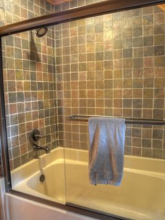 Beautiful Tile Tub/Shower in 2nd Master Bath