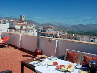 Stunning 3 bed traditional townhouse in historic Salobreña with amazing views