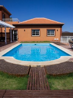 Tenerife: villa with private pool close to golf courses