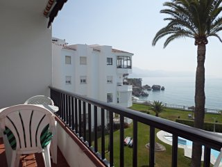 Las Palmeras 43-M, Apt. 2 Bedrooms, Pool, Sea Views, Torrecilla Beach