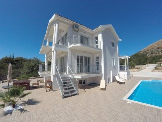 Premium Villa Kefalonia 4 Bedrooms Private Pool Secluded Location Sea Views