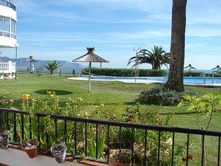 Las Palmeras 47-M, 2 Bedrooms, Pool, A/C, Torrecilla Beach