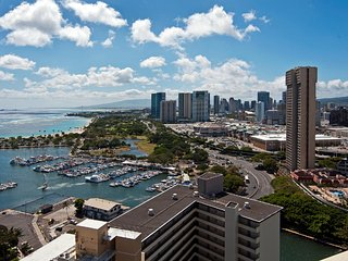 Waikiki Marina #3704 Panoramic Ocean View-Upgraded studio-Kitchenette-Wow! $89