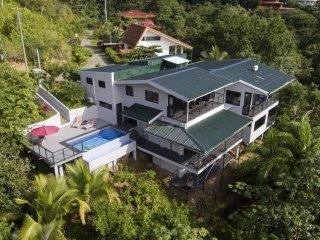 Casa Querencia Contemporary Hilltop Villa With Amazing Mountain Views