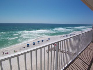 BEACH FRONT 3 BED PENTHOUSE LUXURY CONDO-NO FEES-8 ADULTS