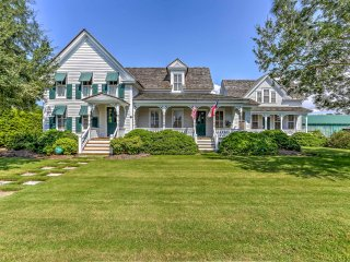 NEW! Historic 3BR Manteo House on Roanoke Sound!