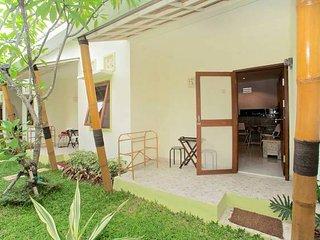Rumah Dua Belas - Pondok gaya Studio Apartments Sanur - Self Catering