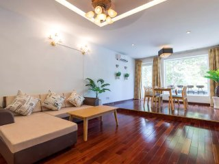 Spacious 2BR Wooden Apartment Bui Vien, with City View & Balcony
