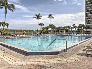 New! 1BR Fort Pierce Condo - Pool & Nearby Beach!