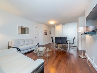 N5B-EAST 34TH ST-LUXURIOUS-3BR-2BA-DOORMAN-GYM