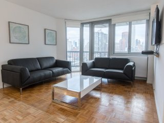 LUXURY 3BR-2BA WITH PVT BALCONY IN MURR-W/D