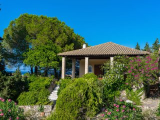 'Villa Celeste' with 4 bedrooms near the beach